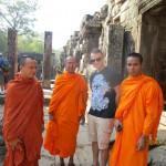 Tapasin temppeleillä myös paikallisia buddhaoppilaita.