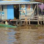 Koti Tonle Sapin kelluvassa kylässä